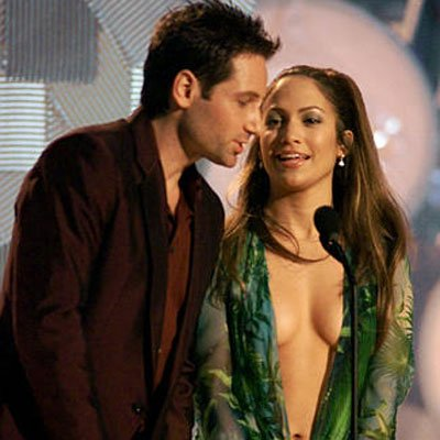 Jennifer Lopez Grammy Dress on Jennifer Lopez Grammy Dress Green     Angelinajolie7 S Blog