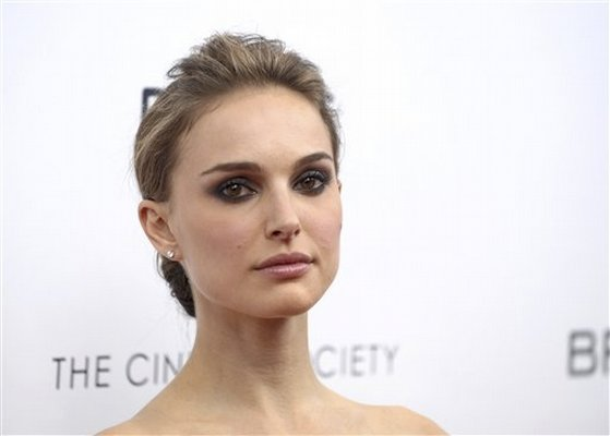 Actress Natalie Portman's petite nose is number one most requested by ...