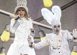 Swift Opens Grammy Awards