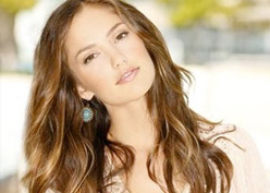 Minka Kelly Joins Pilot