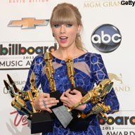 Swift Cleans Up at Billboard Awards