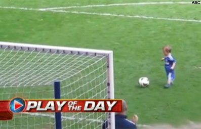 Play Athlete's Son Scores Adorable Goal Free Online