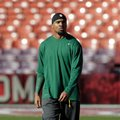 Green Bay Packers strong safety Charles Woodson warms up before an NFC divisional playoff NFL football game against the San Francisco 49ers in San Francisco, Saturday, Jan. 12, 2013. (AP Photo/Tony Avelar)