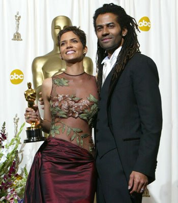 Lenny kravitz dating halle berry Halle Berry and Boyfriend Alex Da Kid Break Up: What Went Wrong, E! News