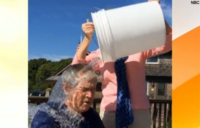 Play Pres. George W. Bush Gets Soaked Free Online