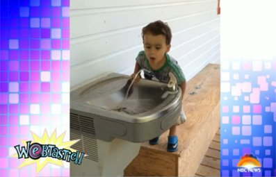 Play Fountain Baffles Adorable Tot Free Online