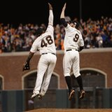 Giants surge past KC, knot Series 2-all