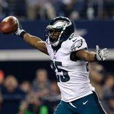Eagles rip Cowboys, take NFC East lead