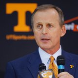 Tennessee hires ex-Texas coach Barnes
