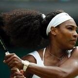Serena beats Venus in 2 sets in 4th round at Wimbledon
