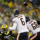 Bears D holds up late; Packers seek answers in passing game