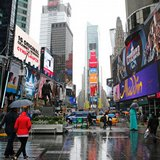Schumer: Probe billboards using phone data to track shoppers