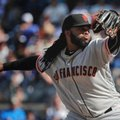 San Francisco Giants starting pitcher Johnny Cueto delivers against the New York Yankees during the first inning of a baseball game, Saturday, July 23, 2016, in New York. (AP Photo/Julie Jacobson)