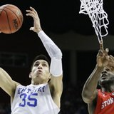 Kentucky's Calipari: Willis won't miss games despite arrest