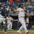 Boston Red Sox designated hitter David Ortiz (34) watches his sixth-inning flyout to deep center field in a baseball game against the New York Yankees, in New York, Wednesday, Sept. 28, 2016. New York Yankees catcher Gary Sanchez, left, watches along with Ortiz. (AP Photo/Kathy Willens)
