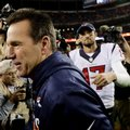 Denver Broncos head coach Gary Kubiak leaves the field after greeting Houston Texans quarterback Brock Osweiler after after an NFL football game, Monday, Oct. 24, 2016, in Denver. The Broncos won 27-9. (AP Photo/Jack Dempsey)