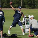 Romo throws in practice for 1st time since August injury