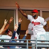 LeBron to wear Cubs uniform after losing Series bet to Wade