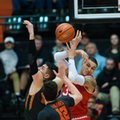 Oregon State's Gligorije Rakocevic, left, and Drew Eubanks (12) fight Utah's Kyle Kuzma for a loose ball during the second half of an NCAA college basketball game in Corvallis, Ore., Sunday, Feb. 19, 2017. Oregon State won 68-67 for their first win in a Pac-12 Conference game this year.