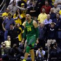 Oregon's Dillon Brooks (24) celebrates after making the game winning score against California in the second half of an NCAA college basketball game, Wednesday, Feb. 22, 2017, in Berkeley, Calif. Oregon won 68-65.