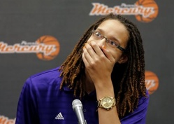Griner on Being Gay Athlete at Baylor