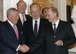 Putin Denies Stealing Robert Kraft's Ring