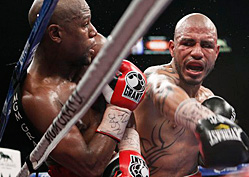 Mayweather Tested in Bout with Cotto